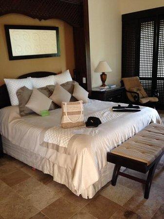 Royal Hideaway Playacar: Duplex suite bedroom
