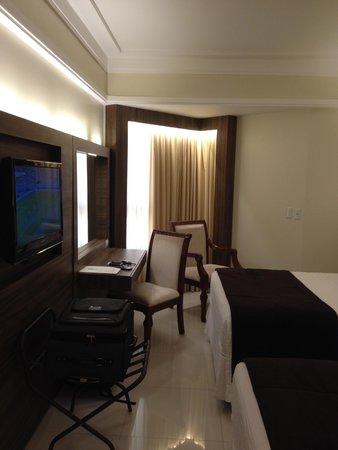 BEST WESTERN PREMIER Majestic: Room-sitting area