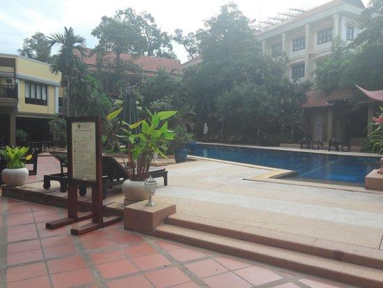 Prince D'Angkor Hotel & Spa : the pool