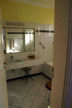 Hansa Hotel: Bathroom photo 1