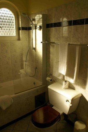 Hansa Hotel: Bathroom photo2