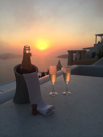 Astra Suites : Sunset