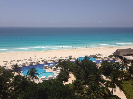 Live Aqua Cancun All Inclusive: Vista piscina