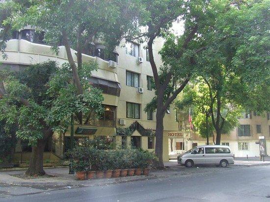 Hotel Montecarlo: entorno muy verde