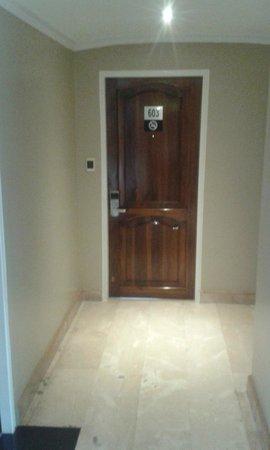 Hotel Reina Isabel: Room Floor Entrance