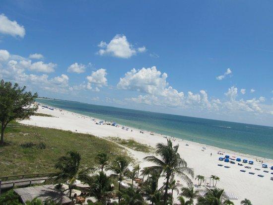 Grand Plaza Beachfront Resort Hotel & Conference Center: balcony view 6th floor!