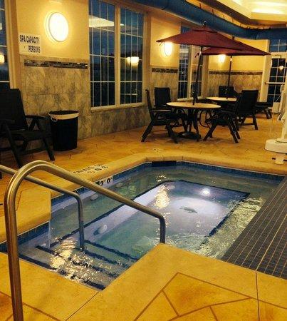 Best Western Plus Wausau-Rothschild Hotel : Hot Tub