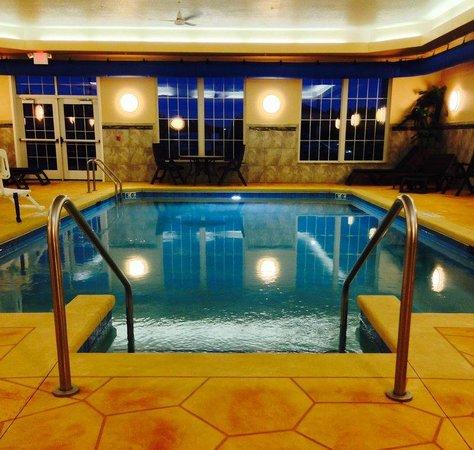 Best Western Plus Wausau-Rothschild Hotel : Pool