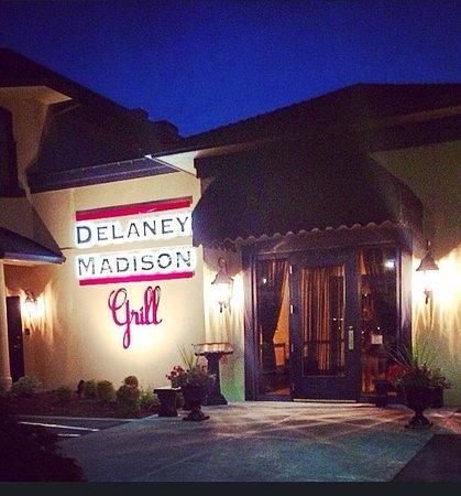 Delaney Madison Grill : getlstd_property_photo