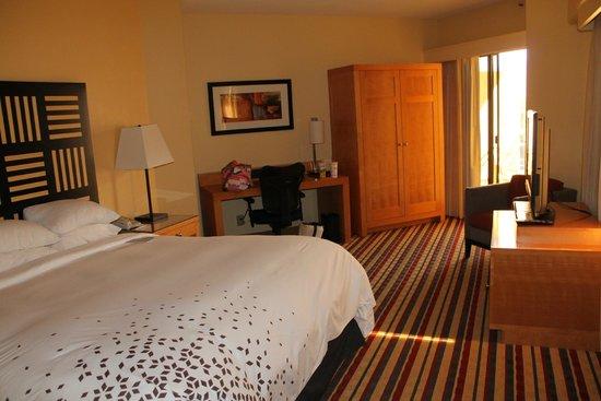 Renaissance Palm Springs Hotel: Bedroom