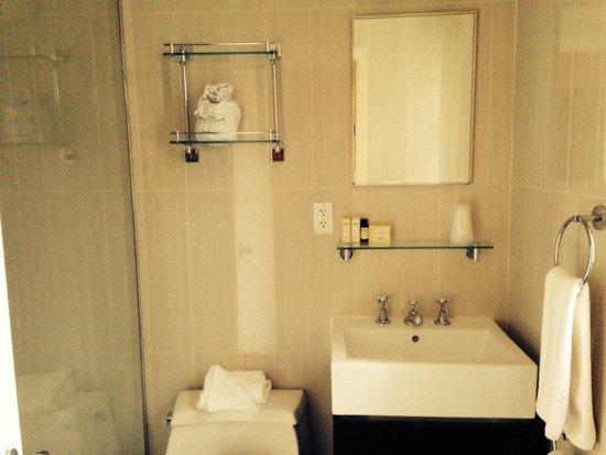 Hotel Belleclaire: Nice bathroom