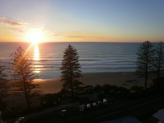 Coolum Caprice Luxury Holiday Apartments: winter sunrise
