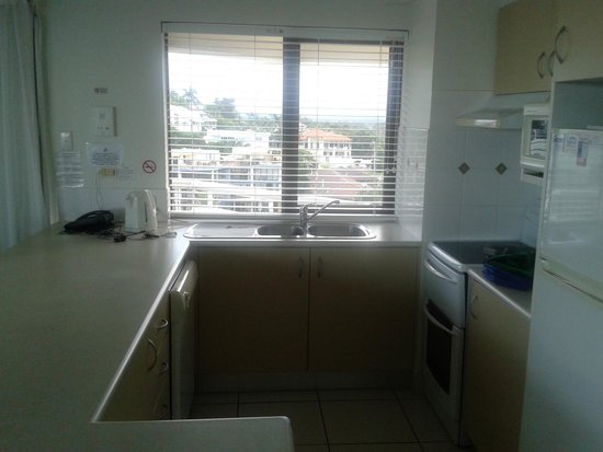 Coolum Caprice Luxury Holiday Apartments: Unit 71 kitchen