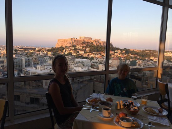 Astor Hotel Athens: View at breakfast.