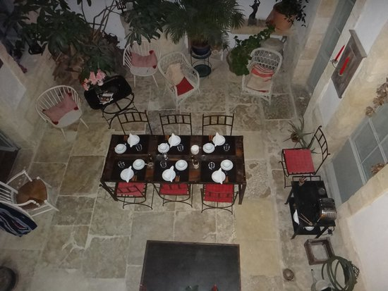 Ecolodge des Chartrons : Courtyard