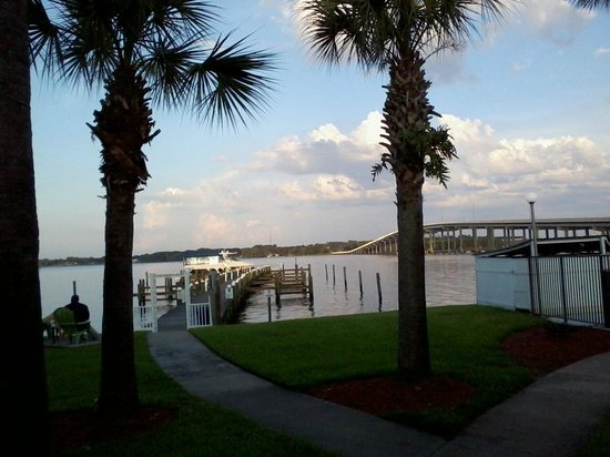 Quality Inn & Suites Riverfront : Boat Dock
