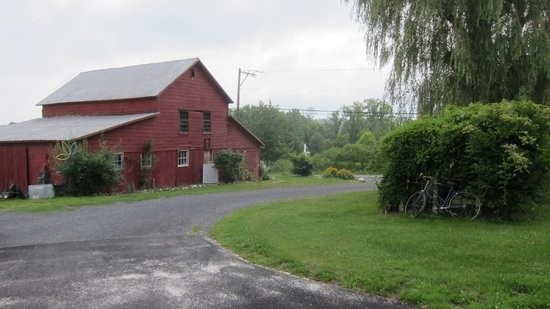 Inn At The Ridge: The Barn