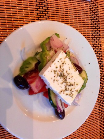 Smile Cafe Restaurant: Awesome Greek salad.
