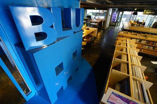 Blu GuestHouse 1: Entrance