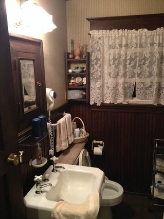 The Inn at Old Orchard Road: view of bathroom - pardon my washcloth!