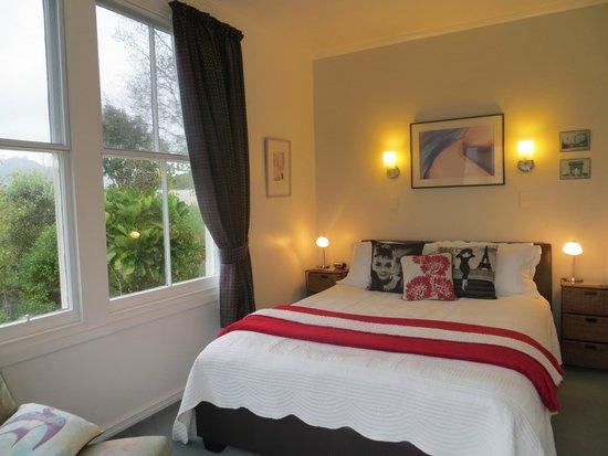 Cotswold Cottage : Holker Room