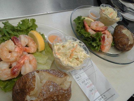 Chickadee Cottage Cafe: Friday Night Shrimp Special