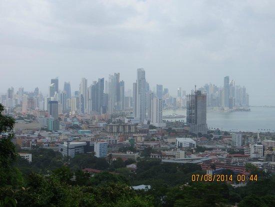 Cerro Ancón: PTY skyline