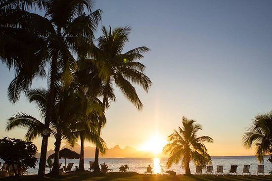InterContinental Tahiti Resort & Spa : Sunset from the gardens