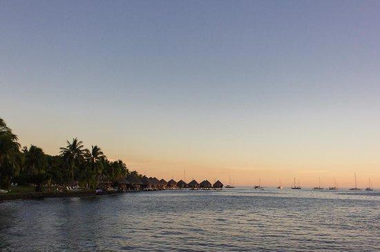InterContinental Tahiti Resort & Spa : Overwater bungalows