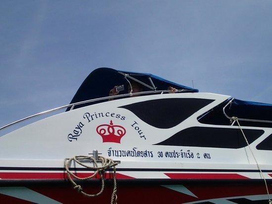 Koh Racha Yai: Tour Operator Boat