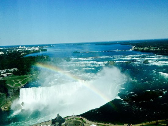 Embassy Suites by Hilton Niagara Falls Fallsview Hotel : View of Horseshoe Falls and rainbow from Room 4012