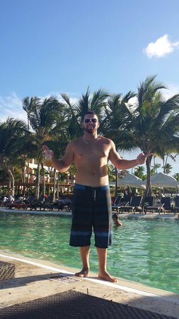 Now Larimar Punta Cana: Pool side