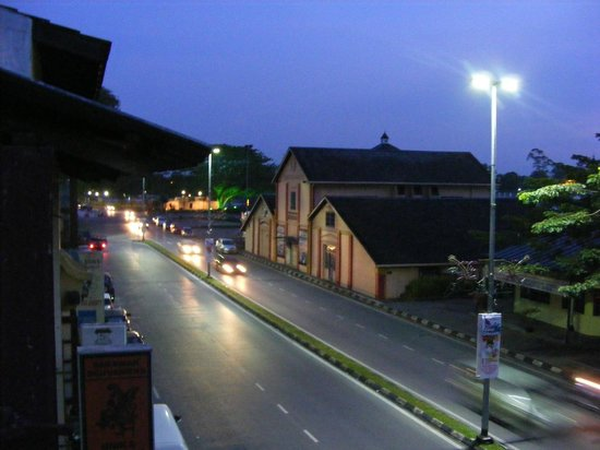 Wo Jia Lodge: Main Bazaar Road from Room 1