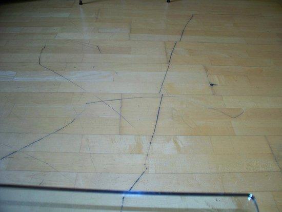 The Atrium Serviced Apartments: More floor gouges