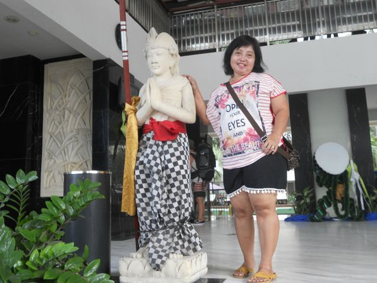 Bali Kuta Resort & Convention Center: Depan hotel