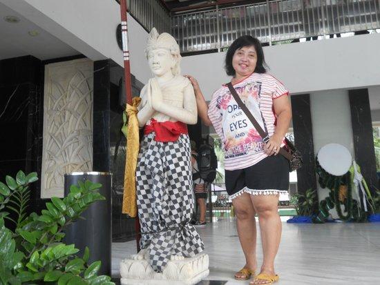 Bali Kuta Resort & Convention Center : Depan hotel