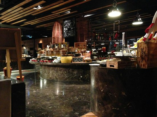 SO Sofitel Bangkok: Red Oven Cafe