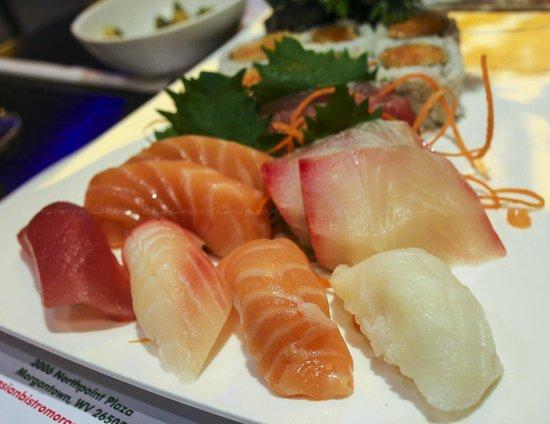 Asian Bistro: sushi sashimi