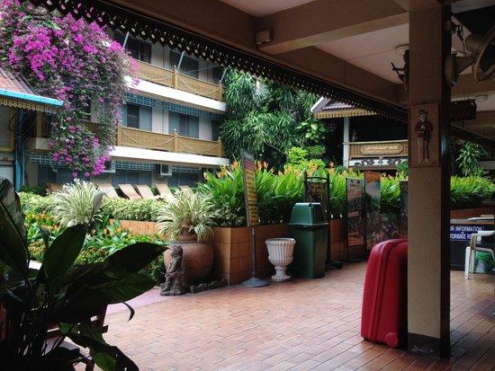 Lai-Thai Guest House: Hotel Lobby