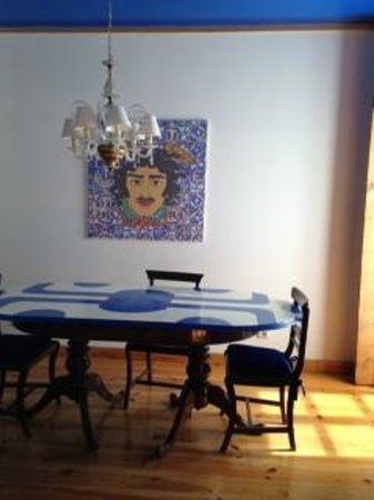 Lisbon Short Stay Apartments Baixa: Dining and living room area