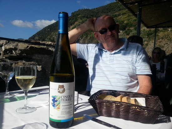 Belforte : enjoying the wine and the view