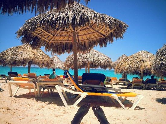 Iberostar Punta Cana: SOMBRILLAS HERMOSAS