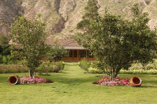 Hotel La Casona De Yucay Valle Sagrado: View from the back part of the garden