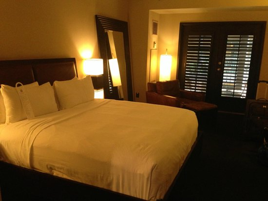 Hotel Valencia Riverwalk : King bed