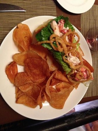 Epoch Restaurant & Bar: lobster roll
