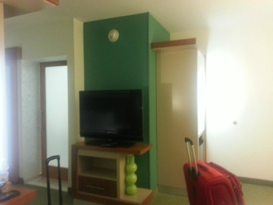 SpringHill Suites Columbia Downtown/The Vista : TV - room