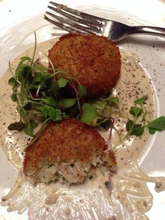 Epoch at The Exeter Inn: crab cakes