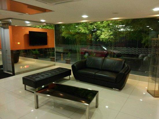 Fenix Inn: Lobby