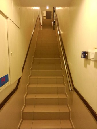 Fenix Inn: Stairs