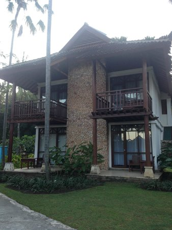 Holiday Resort Lombok : front of chalet rooms